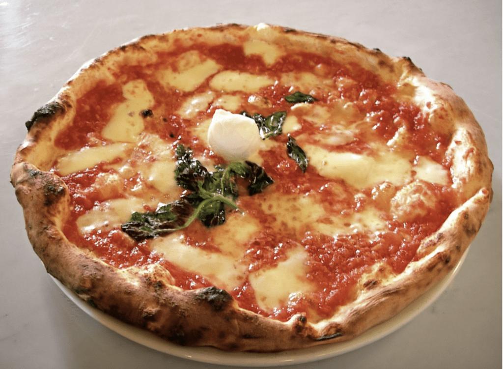 Neapolitan pizza vs. Sicilian pizza