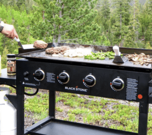 How To Cook Pizza On A Blackstone Griddle- Beginner's Guide