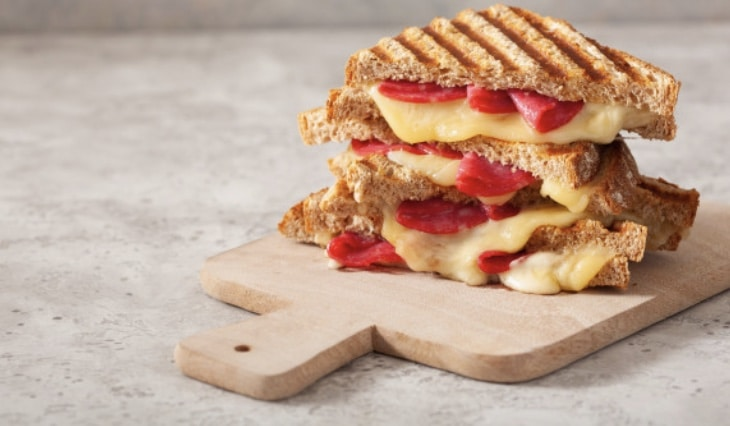 Pepperoni Grilled Cheese Pizza Sandwich Recipe