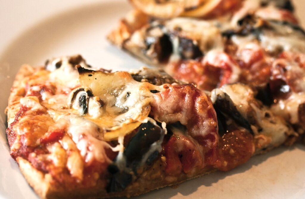Easy Homemade Vegan Pizza Recipe